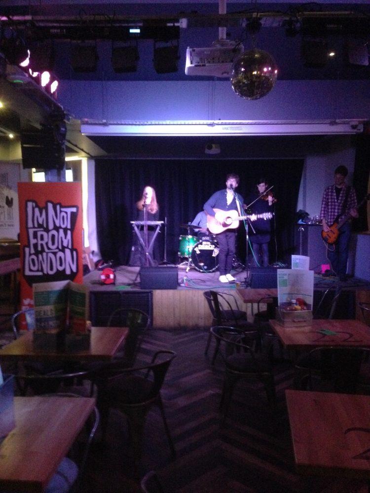 Joe Innes & the Cavalcade at Nightfish